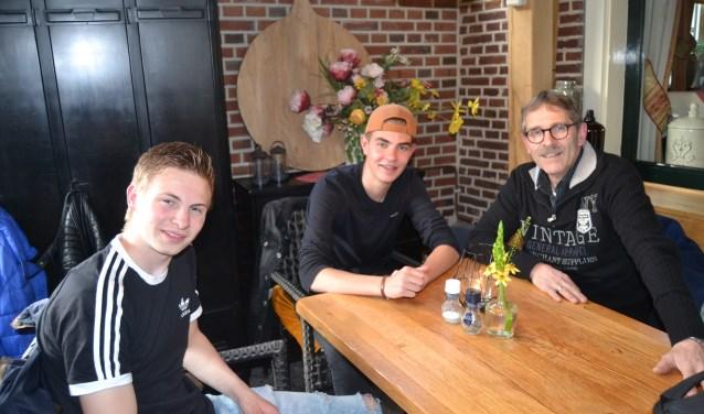 Nathan en Joppe, met Christiaan ter Haar. Foto: Karin Stronks