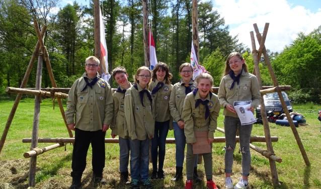 Het team van Scouting Saksenheerd, dat nu naar de Nederlandse scoutingwedstrijden wordt afgevaardigd. Foto: Jeremy Jay Rösner