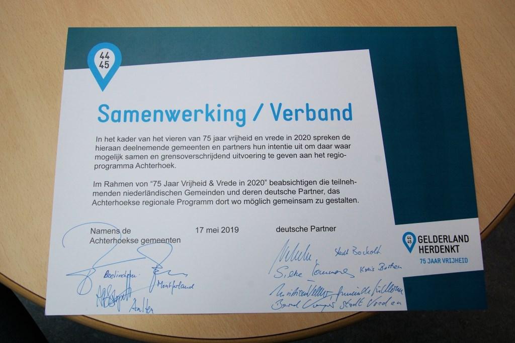 De ondertekende intentieverklaring, Foto: Frank Vinkenvleugel  © Achterhoek Nieuws b.v.