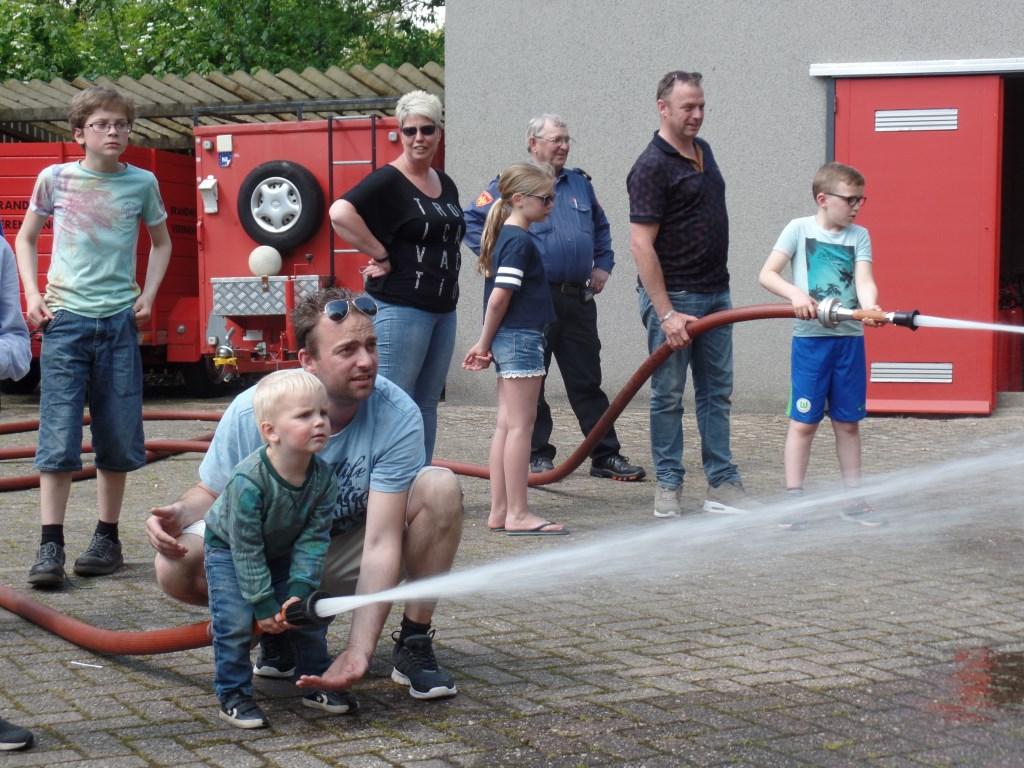 Kinderen konden zich tijdens de open dag  volop vermaken. Foto: Jan Hendriksen.   © Achterhoek Nieuws b.v.