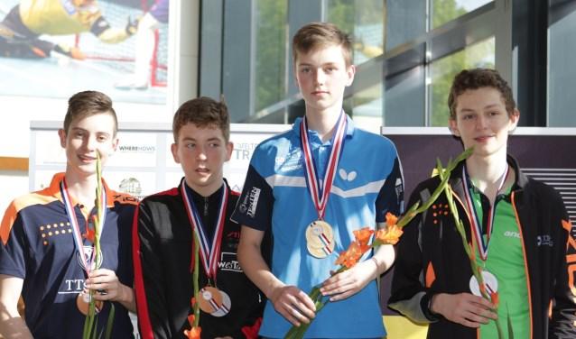 Lode Hulshof (tweede van rechts). Foto: Rob de Ruiter