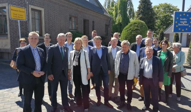 Het CDA-gezelschap met als tweede en derde vooraan links Henk Jan Ormel en Annie Schreijer-Pierik. Foto: Rob Weeber