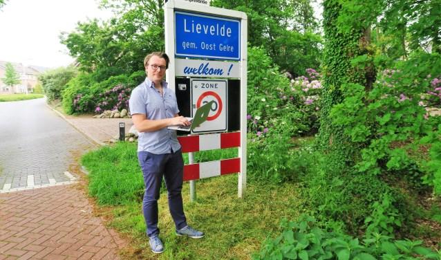 Ambassadeur Rik Wamelink zet zich in voor de glasvezelcampagne. Foto: Theo Huijskes