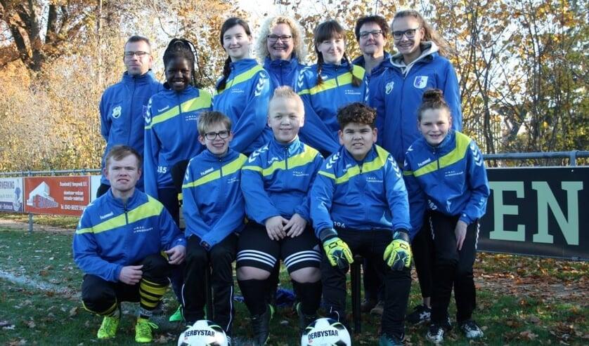 Het voetbal + team. Foto: PR