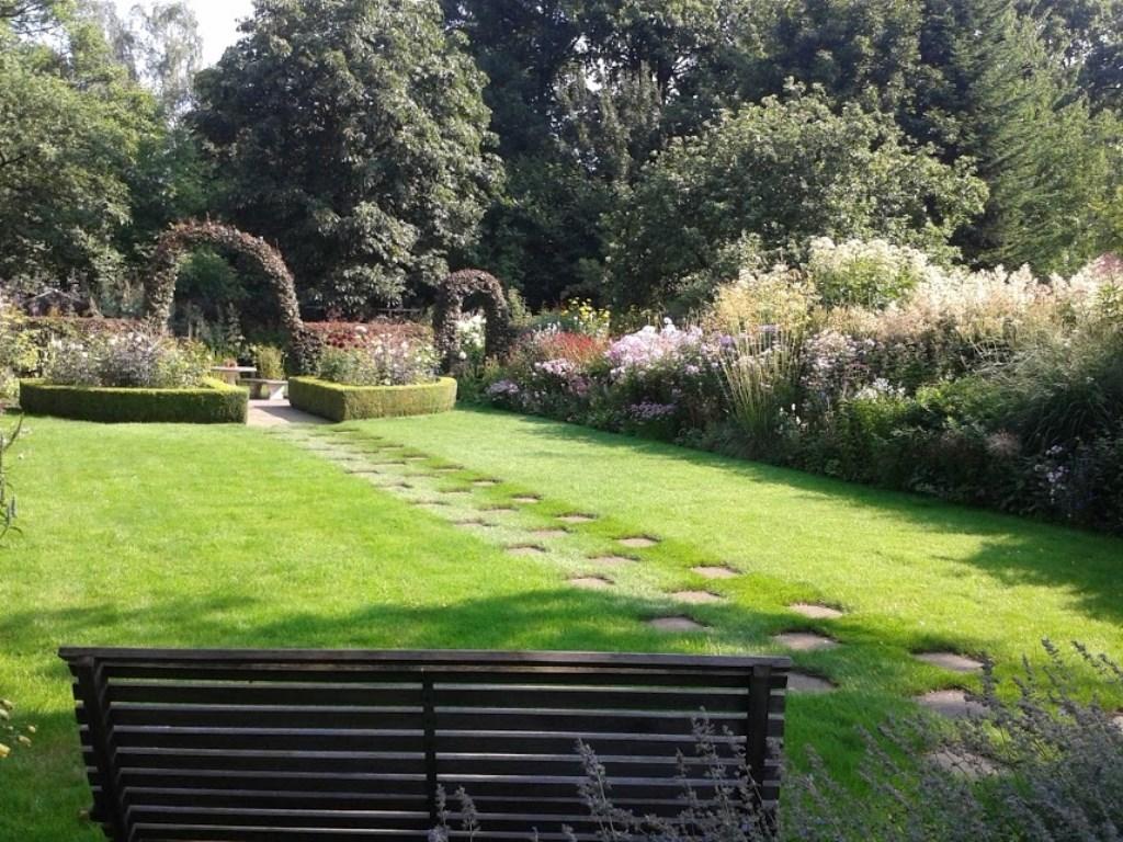 De tuin van Lidy en Tonnie Buil. Foto: Tonnie Buil Foto: Tonnie Buil © Achterhoek Nieuws b.v.