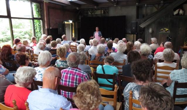 Een volle zaal genoot van Irene van der Aart. Foto: PR