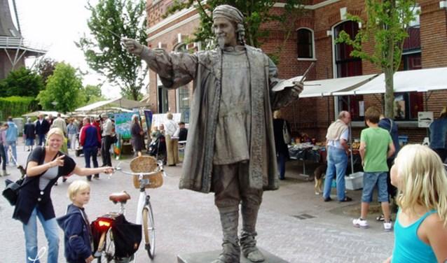 Het levende standbeeld van schilder Rembrandt. Foto: PR