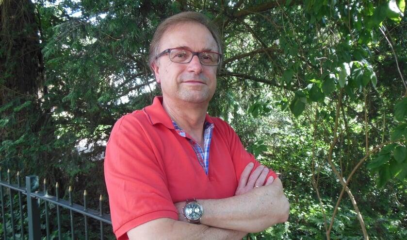Wim Riefel gaat met pensioen. Tijd om zijn armen wat vaker over elkaar te houden… Foto: Eric Klop