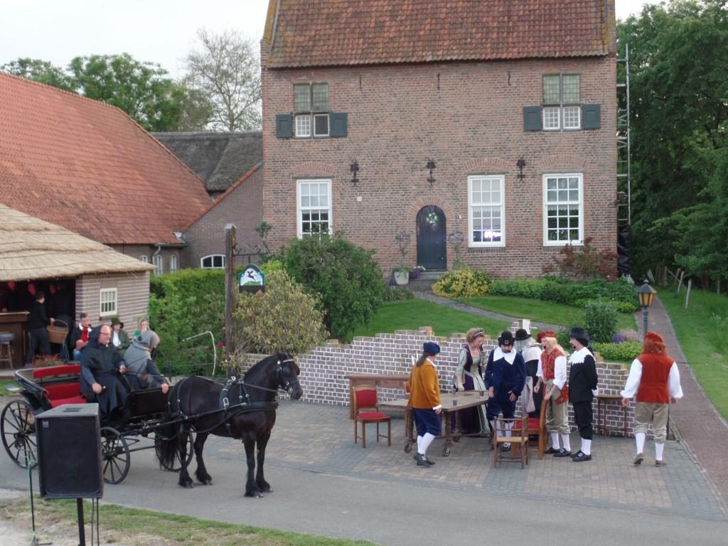Als decorlocatie voor 'De Bewaarder' fungeerde het erf van de eeuwenoude boerderij 't Spieker in Vierakker. Foto: Jan Hendriksen.