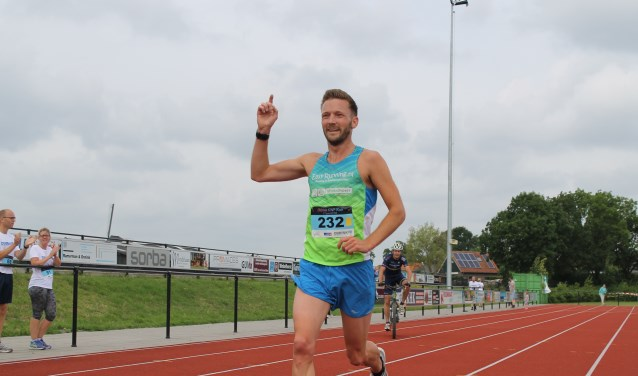 Lars Duistermaat won de Obbink KWF Run vorig jaar in een tempo van 17,4 km per uur. Foto: PR Archeus