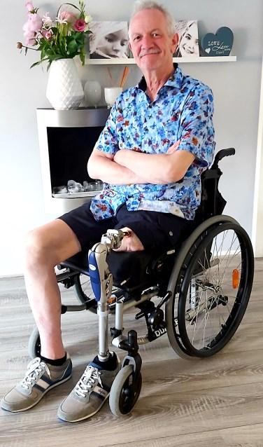 Gerard Kolenbrander met zijn klikprothese. Foto: PR