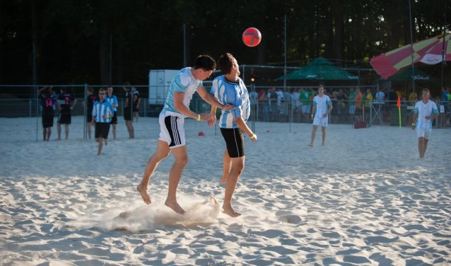 Beachsoccer: sportief en gezellig. Foto: PR