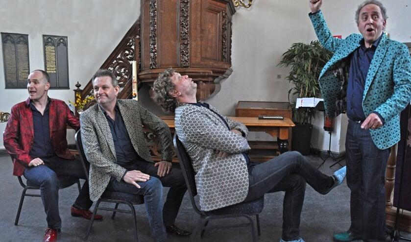 De vier zangers van a cappellagroep VPS KeK, Martin Schoenmaker, Gerrit Hiddink, Mark Vermeeren en Joep Hopstaken, vieren dit jaar het 10-jarig jubileum. Foto: PR