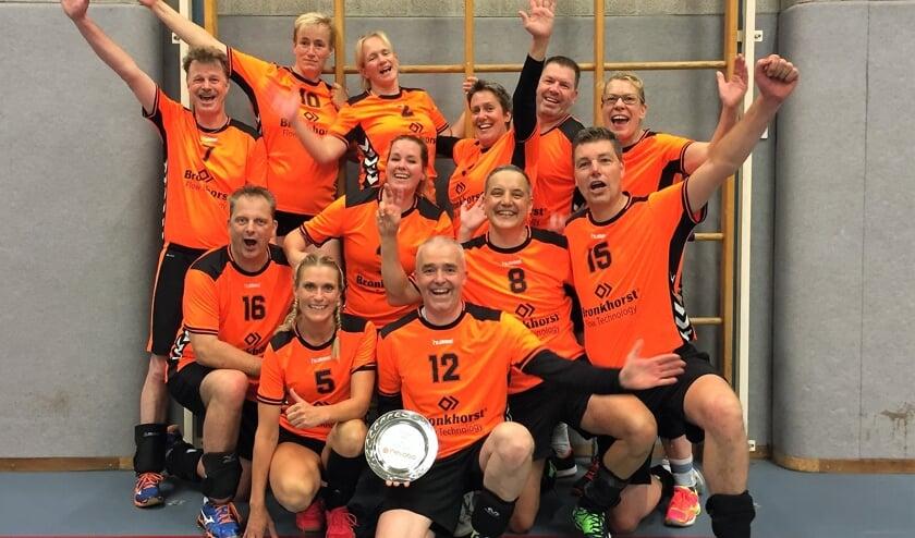 Het mix recreantenteam van Tornax dat zaterdag in Utrecht tweede werd tijdens het NK. Foto: PR.
