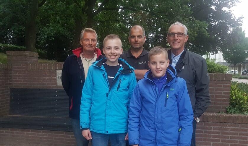 Achterste rij van links naar rechts: Henk Bargerman, Rene Molenveld en rechts Paul Overkemping. Voorste rijd de jeugd: Links Thijs Lankheet en rechts Thijn Luttikholt. Foto: PR GHV
