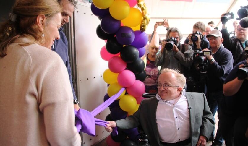 Minister van gehandicaptenzaken Rick Brink opent het MIVA Las Vegas-hotel. Foto: Jos Betting