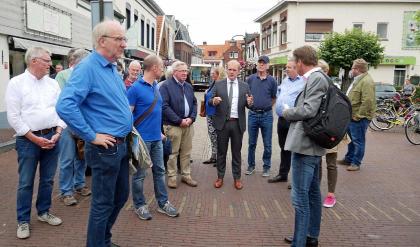 De burgemeester met Regionalrat in centrum. Foto: PR