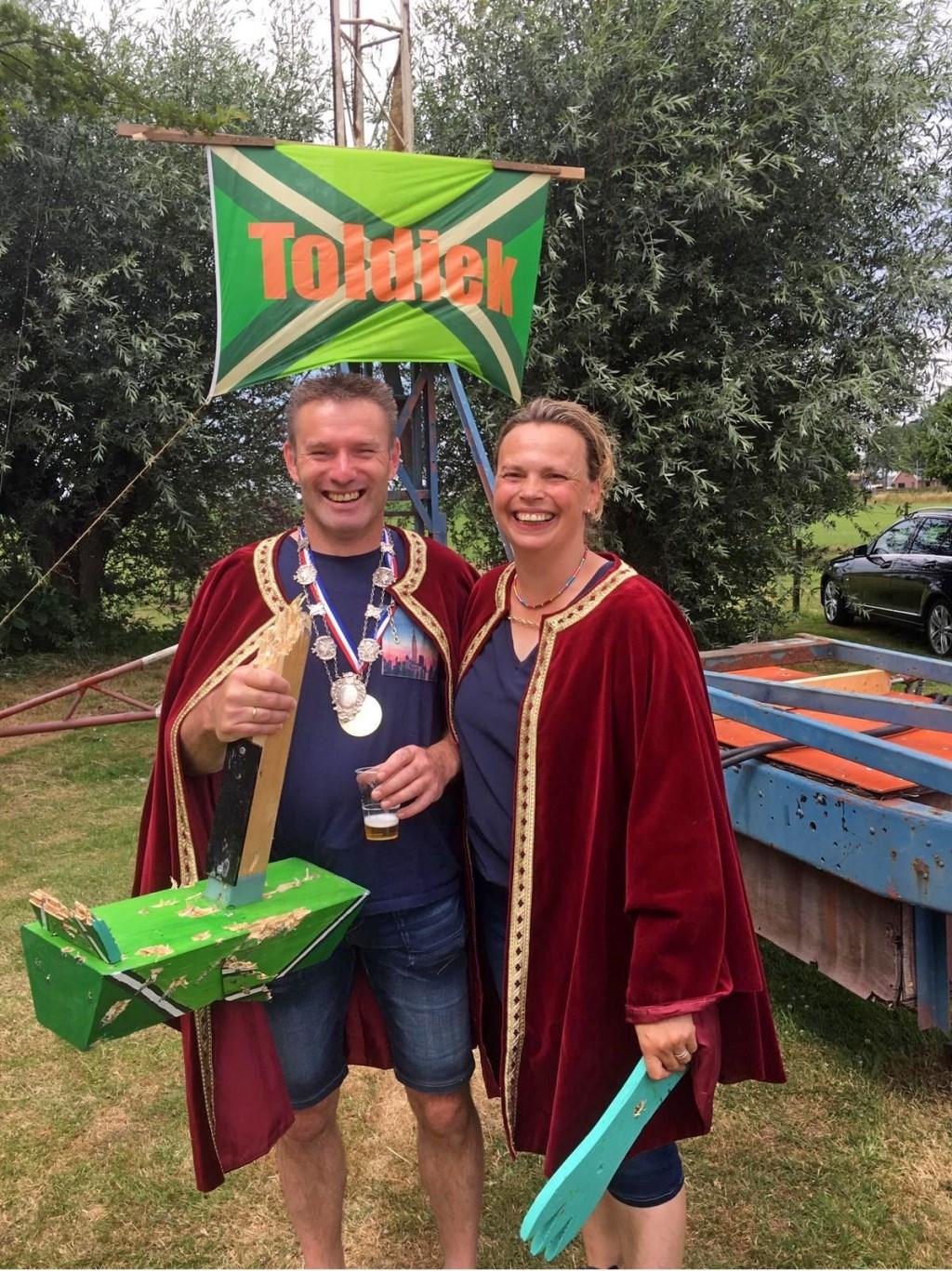 Schutterskoning Toldijk 2019 Erik Heebink en zijn koningin Liesbeth Heebink-Kets. Foto: PR  © Achterhoek Nieuws b.v.