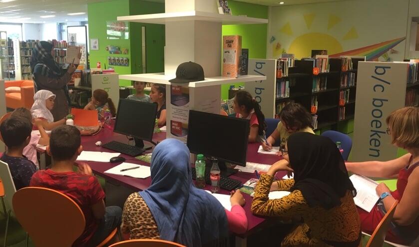 In Dinxperlo krijgen kinderen Arabische les, hun ouders Nederlandse les. Foto: PR