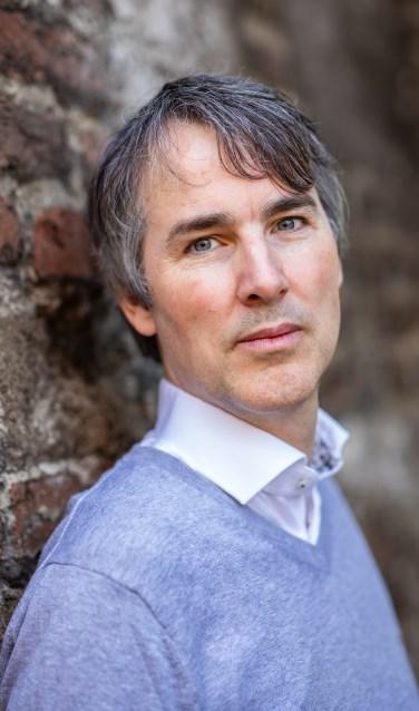 """Karsten Gilhuis: """"Ik weet nu dat het schrijven van een roman kan lukken."""" Foto: PR"""