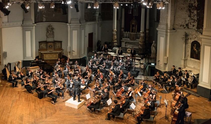 Het Nederlands Symfonie Project tijdens een optreden. Foto: René Knoop