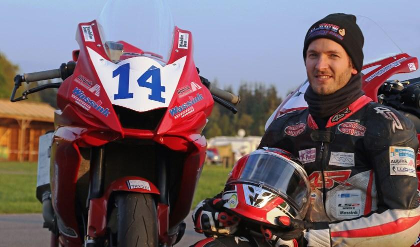 Tweemaal winst in de Open Supersport categorie voor Ilja Caljouw. Foto: Henk Teerink