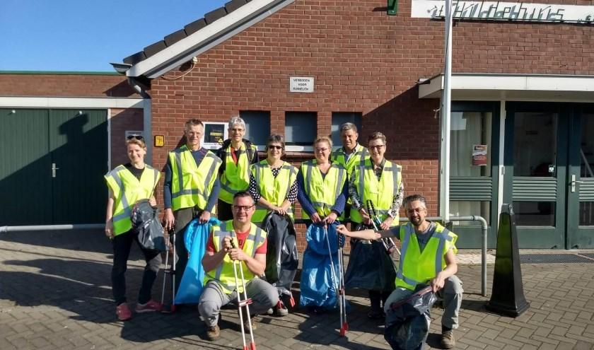 De steeds groeiende groep vrijwilligers in Stokkum. Foto: Freddy van Dijken
