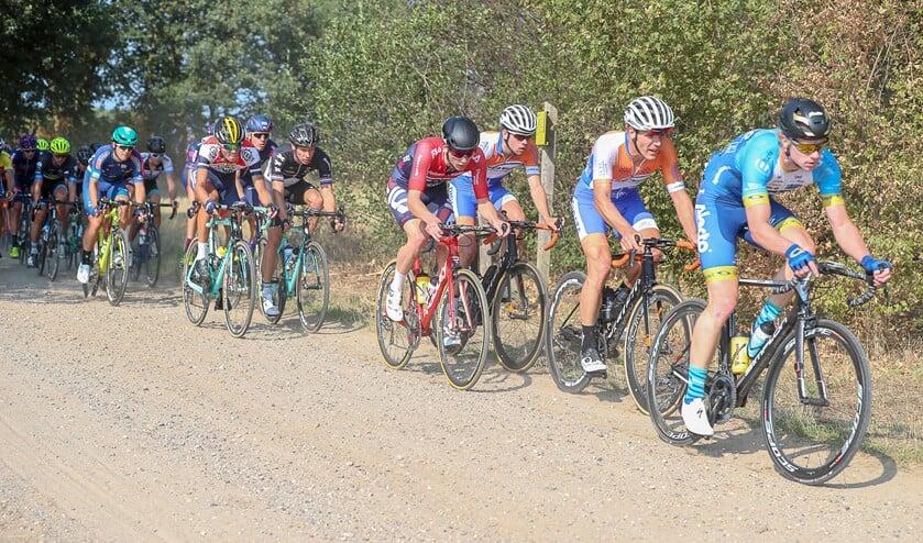 Ronde van de Achterhoek over onverhard. Foto: Dick Soepenberg