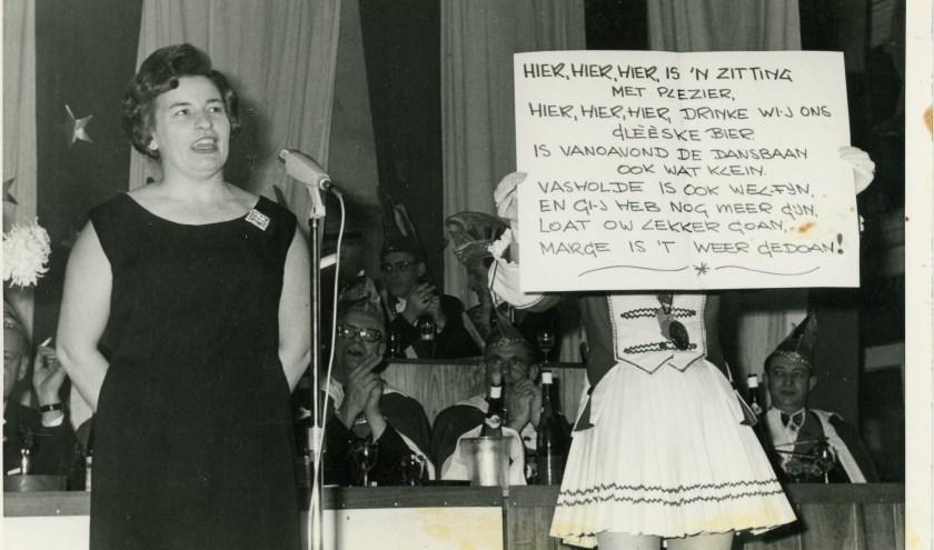 Netje Berndzen Kniest op de Bühne in 1974. Op 21 september is ze er weer bij. Foto: PR