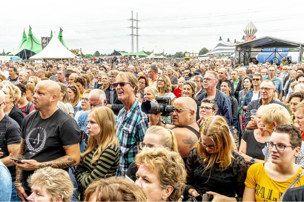Rijendik voor het hoofdpodium. Foto: Henk van Raaij Foto: Henk van Raaij © Achterhoek Nieuws b.v.