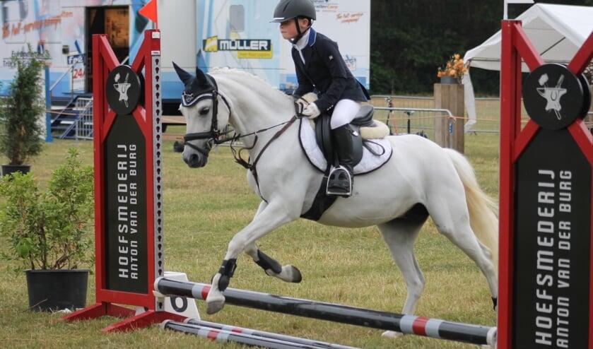 Wessel  met zijn pony Love Joy's Sunshine. Foto: PR