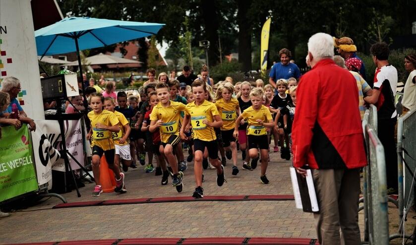 De start van de kidsrun over één kilometer. Foto: John Boom