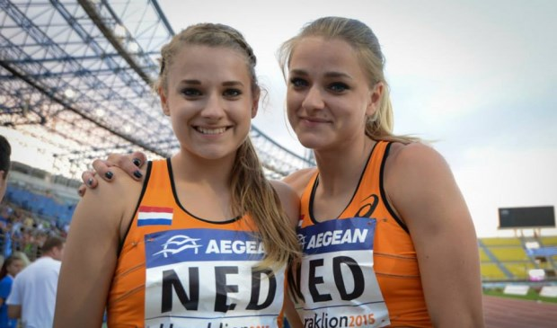 Laura (l) en Lisanne (r) de Witte trainen ook bij AV Trias.
