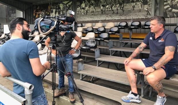 Initiatiefnemer Joeri Peperkamp wordt gefilmd