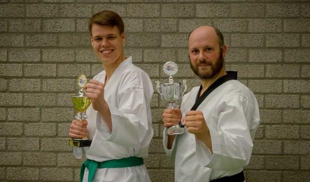Op de foto (Armand Parris):  Jimmi (l) en Michael (r) met hun prijzen.