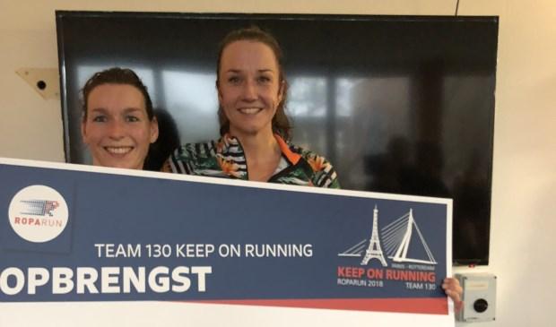 Links Saskia Smit, teamcaptain van team 130 Keep on Running, rechts Marleen Zijlstra