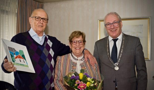 Zestig jaar getrouwd! Dan komt de burgemeester op bezoek.