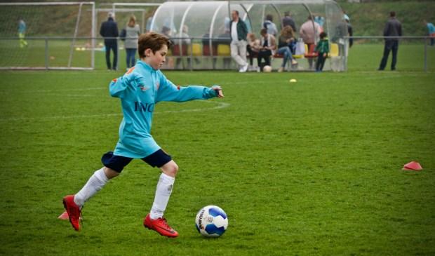 Roef Kempenk in volle actie tijdens de training.
