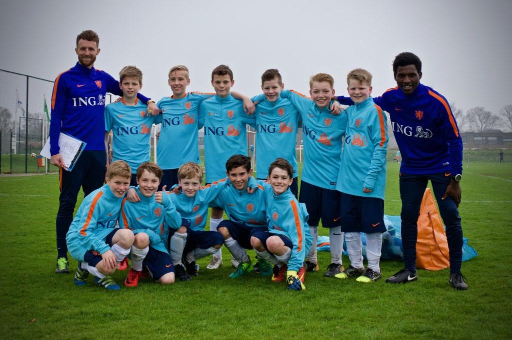 Het team van Roef (voorste rij tweede van links). STiP Fotografie © Uitkijkpost Media B.v.