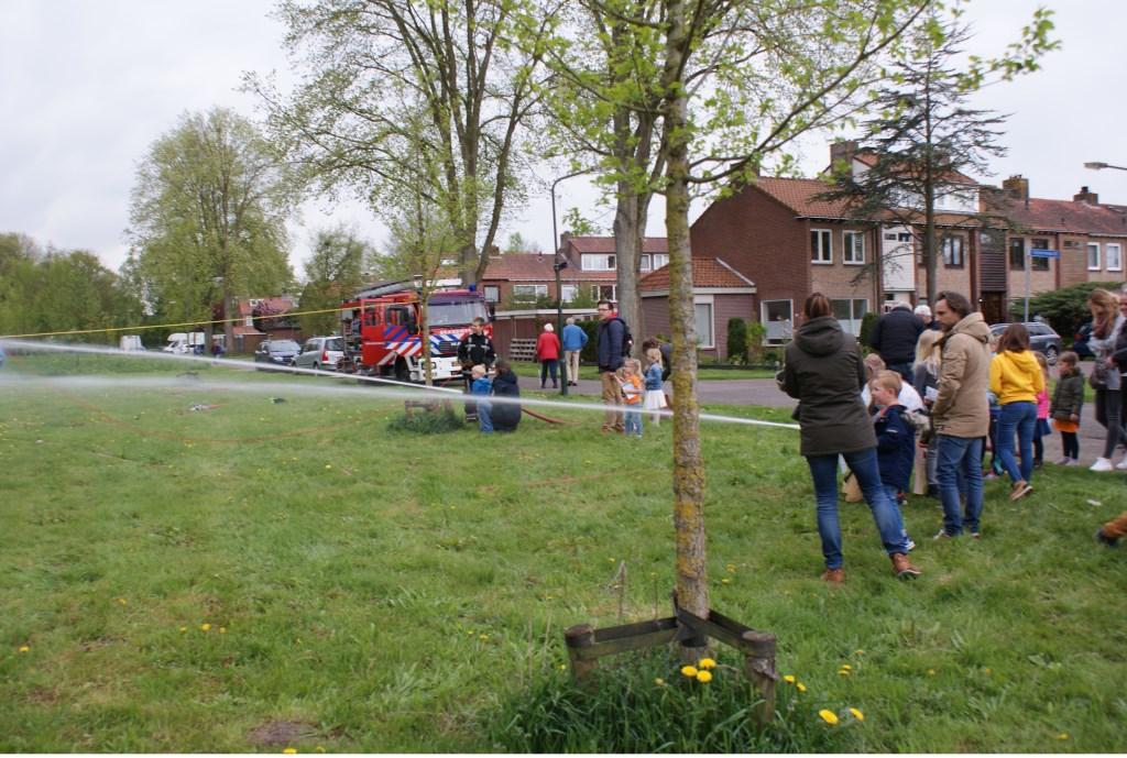 De (jeugd)brandweer was ook van de partij. Foto: aangeleverd © Uitkijkpost Media B.v.