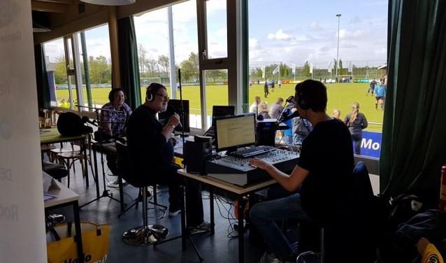 Ook dit jaar staat de studio van OSU Radio weer in de kantine van FC Uitgeest.