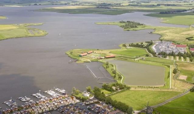 Luchtfoto Uitgeestermeer