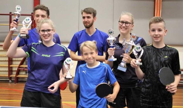 Prijswinnaars Jeugd Clubkampioenschap 2018 Jeugd,  vlnr Achter: Jari, Okke en Sanne (clubkampioen) , vlnr Voor: Roos, Christian en Jort.
