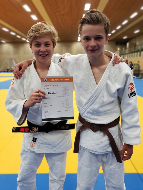Fil Dekker (links) met zijn valmaat Jonne. Foto: aangeleverd © Uitkijkpost Media B.v.