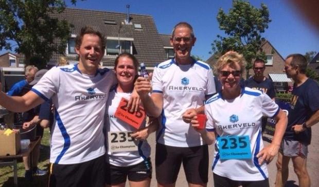 Dit is het bedrijfsteam van Jos van der Velden uit Akersloot(3e van links)De naam is Van 't Akerveld Engineering ingenieursbureau. Al jaren enthousiaste deelnemers.