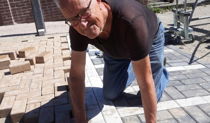 Jan heeft zich aangemeld als stratenmaker.