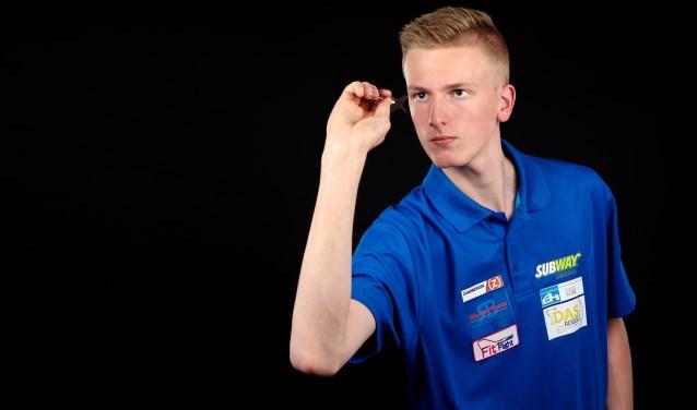 De 18-jarige Wessel uit Uitgeest is nu al een topdarter.