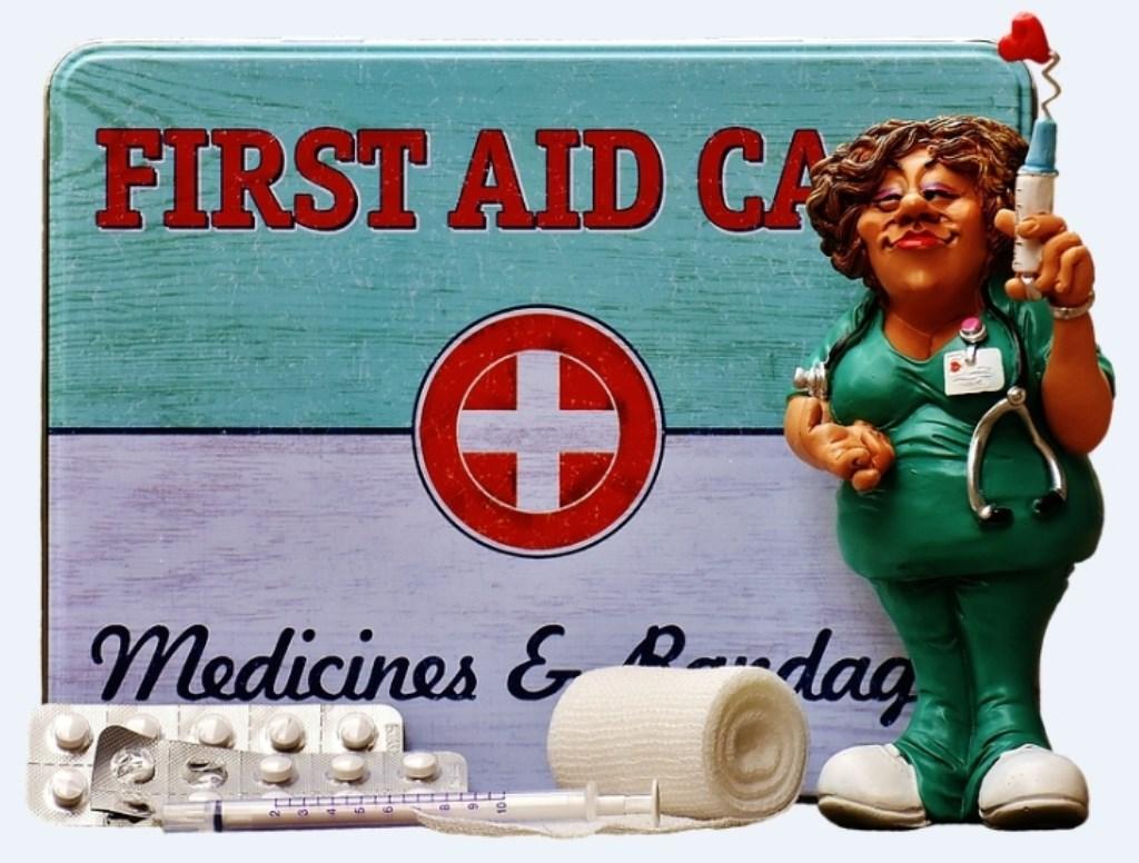 Komedie 'Extra hulp op de Eerste Hulp' voor De Zonnebloem Limmen - Kijk op Castricum
