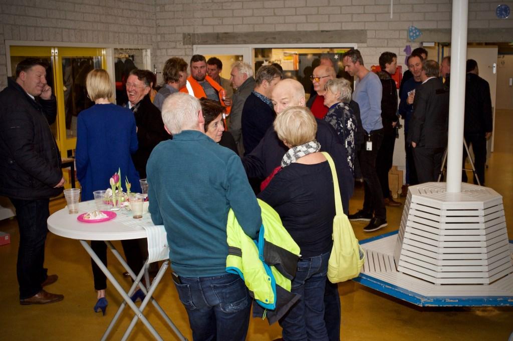 Veel buurtbewoners waren bij de opening aanwezig. Foto: STiP Fotografie © Uitkijkpost Media B.v.