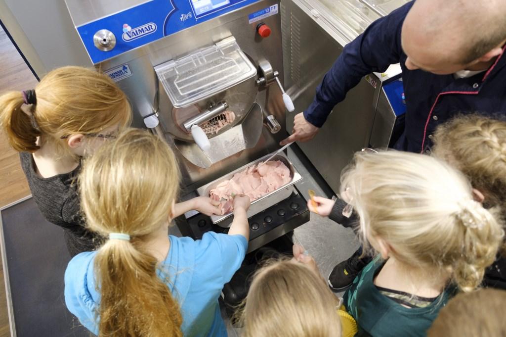 En daar is dan het felbegeerde ijs! Foto: IwanBronkhorst.nl © Uitkijkpost Media B.v.